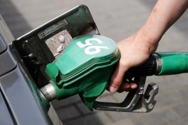 Nafta jau brangsta, o degalai dar pinga