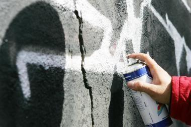 Už graffiti ant bažnyčios - 2 metai kalėjimo? (papildyta)