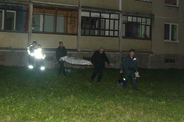 Vilniuje iš 7 aukšto iškrito ir žuvo apsvaigusi paauglė