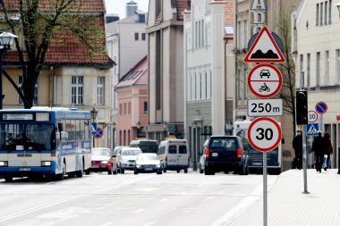 Nuo rytdienos automobilių eismas Tiltų gatve bus uždraustas