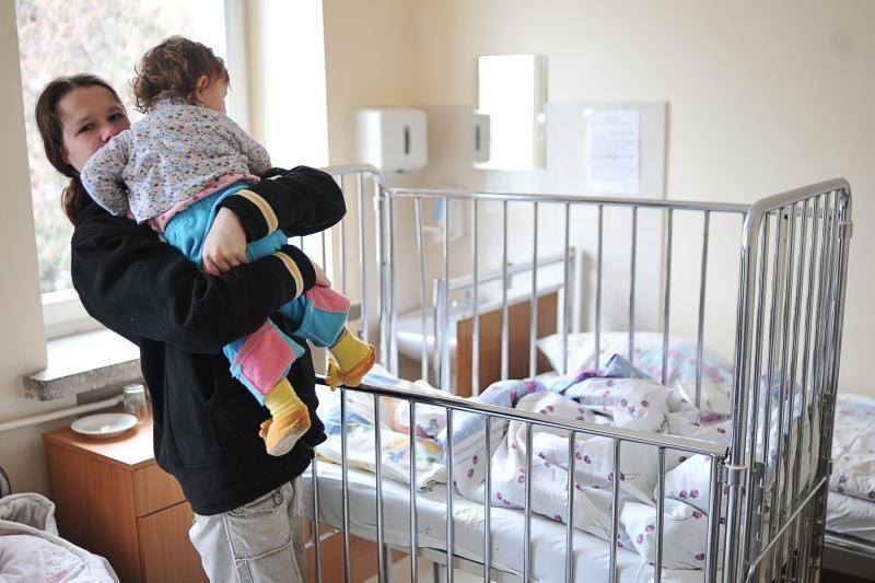Po tėvo smūgių dvi mažylės atsidūrė ligoninėje