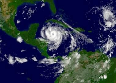 Atlanto vandenyne kils daugiau uraganų