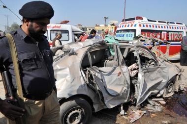 Pakistane per užminuoto automobilio sprogimą žuvo 11 žmonių