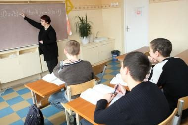 Seimas svarstys, ar mokytojai nusipelno ankstesnės pensijos