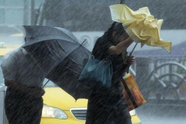 Filipinuose taifūno aukų padaugėjo iki 76