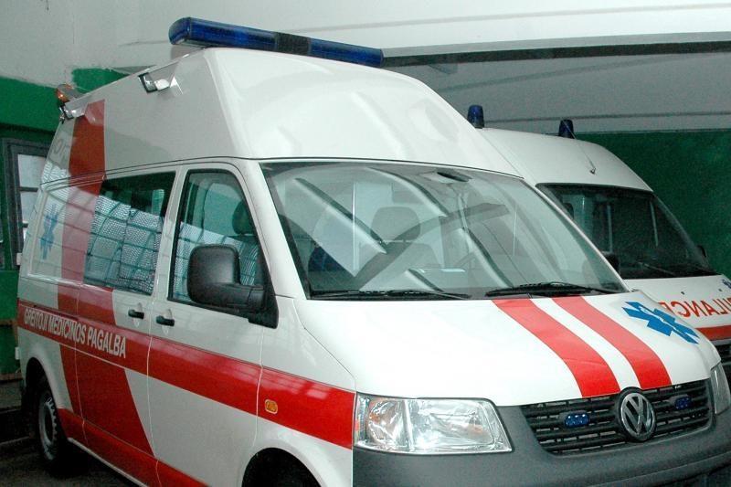 Po avarijos pareigūnams nesiskundusiai vairuotojai prireikė medikų