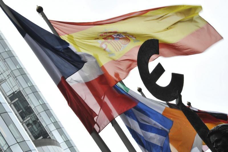 Tyrimas: verslas laukia euro, tik nesutaria, kada jis turi būti