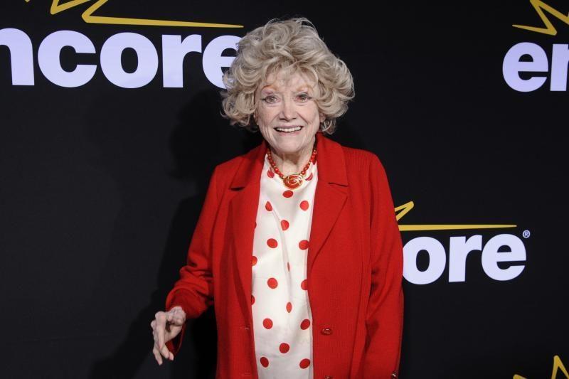 Mirė legendinė JAV komedijos žanro veteranė Phyllis Diller