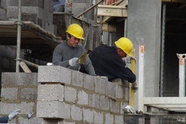 Per metus statybos pabrango beveik 2 proc.