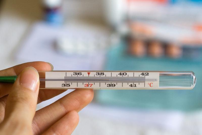 Moteris 44 metus gyveno su termometru plautyje