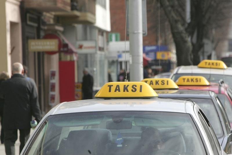 Pietų Korėjoje ketinama taksi pripažinti viešuoju transportu