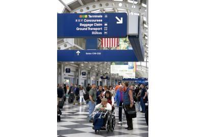 Vilniaus ir Kauno oro uostuose gresia neįgaliųjų mokesčiai