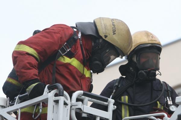 Per gaisrą sostinėje vyras apdegė  veidą