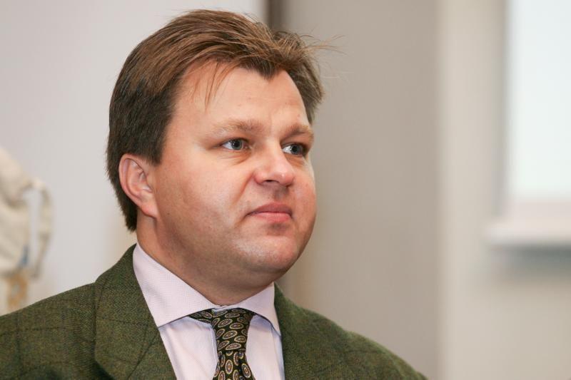Šešėliniu ministru netapęs M. Adomėnas apskundė V. Landsbergį