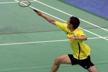 Antrasis smūgis badmintonininkams
