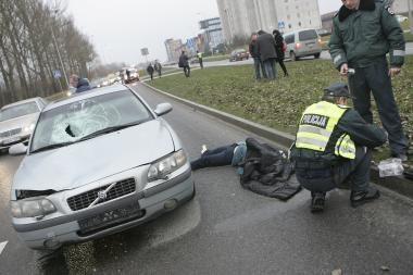 Policininko sukeltos avarijos byloje - DNR tyrimas