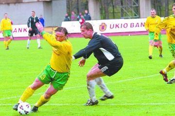 Lietuvos pirmojo futbolo diviziono turas prasidėjo svečių pergale