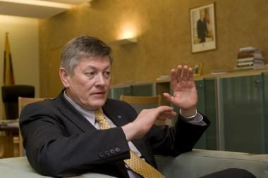 A.Paulauskas: ministro E.Masiulio šou – po A.Kubiliaus sparneliu