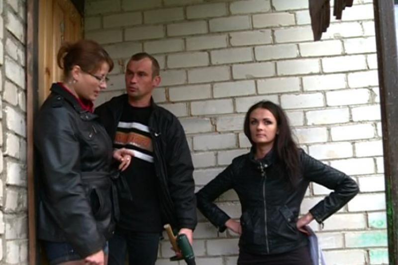 Liūdna realybė: policija pasiūlė vyrui į savo butą lipti per langą
