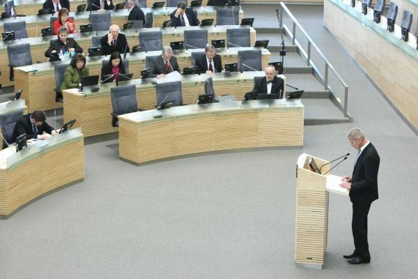 Pagaliau patvirtinęs darbotvarkę Seimas svarsto biudžetą