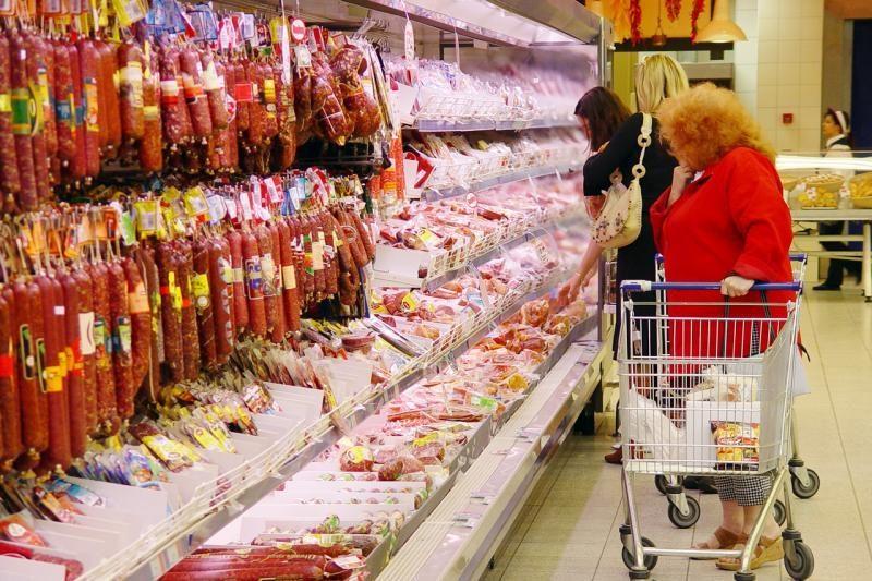 """Britanija atmeta galimybę įvesti """"panišką"""" mėsos iš ES draudimą"""