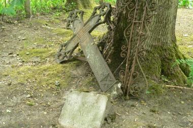 Gelbės senąsias Klaipėdos krašto kapinaites nuo sunykimo