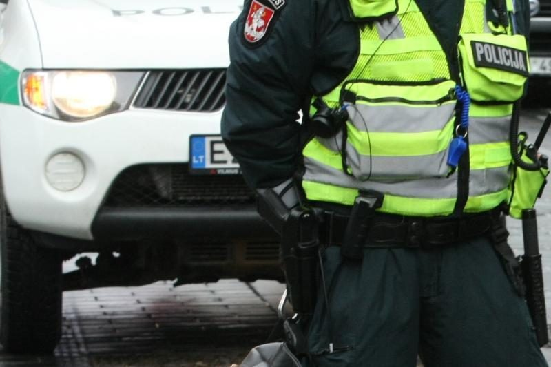 Klaipėdoje jaunuolis pagrobė automobilį iš jo išstumdamas vairuotoją