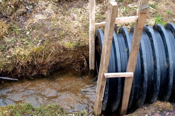Panemunės gyventojus užtvindė upelis