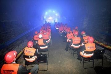 Geležinkelio tunelio restauravimas įpusėjo
