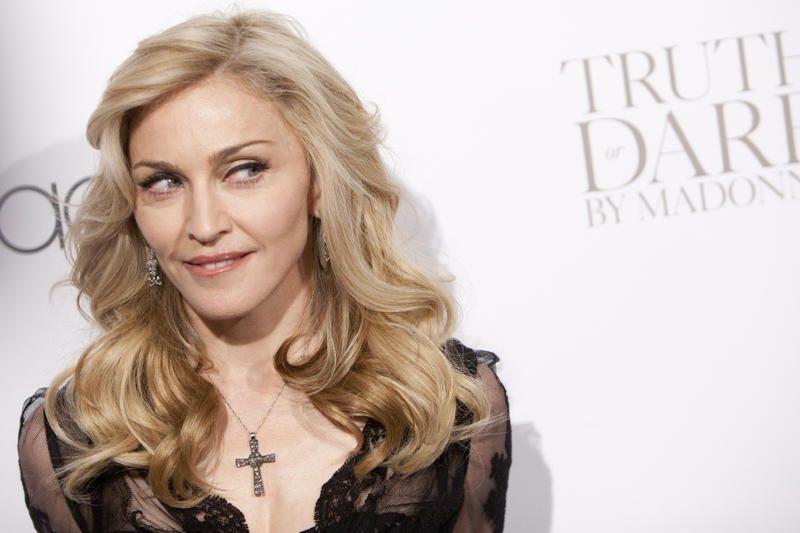"Madonna per koncertą Prancūzijoje parėmė ""Pussy Riot"""