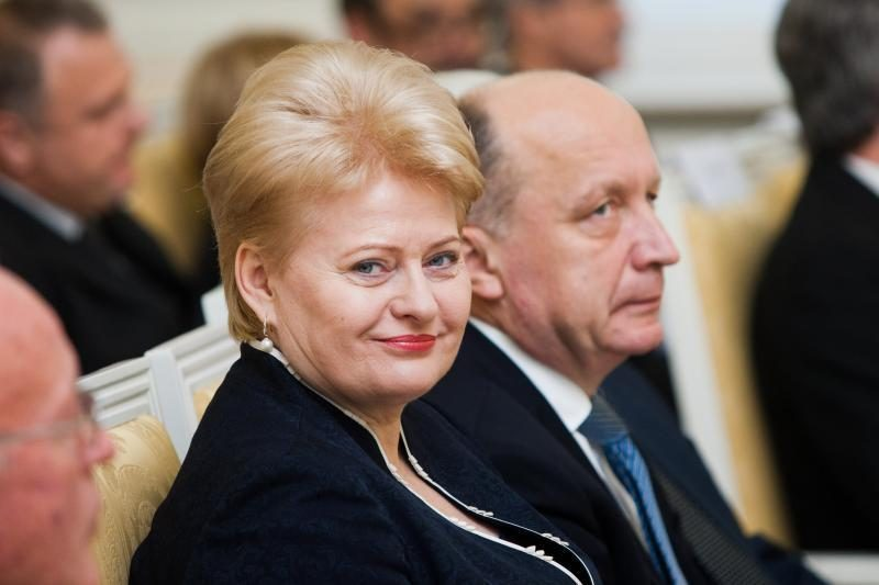 Reitingų lentelėje užtikrintai pirmauja prezidentė D. Grybauskaitė