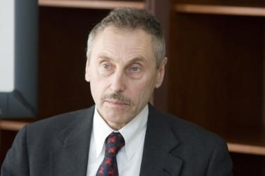 Opozicija bando nuversti energetikos ministrą (papildyta)