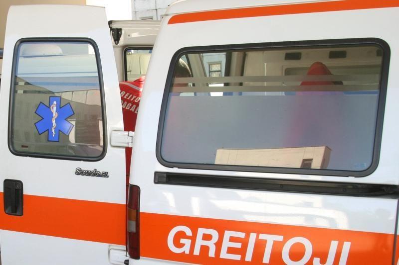 Alytuje į ligoninę pateko iš automobilio iškritęs berniukas