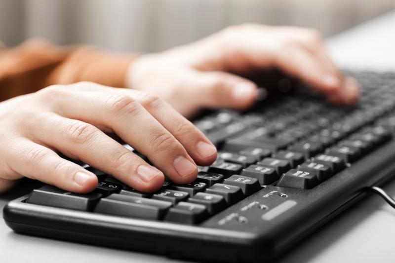 Moksleiviai penktą kartą kalbins kompiuterį lietuviškai