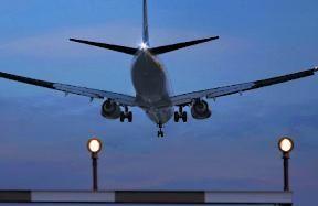 Dėl kylančių kuro kainų brangs ir skrydžiai