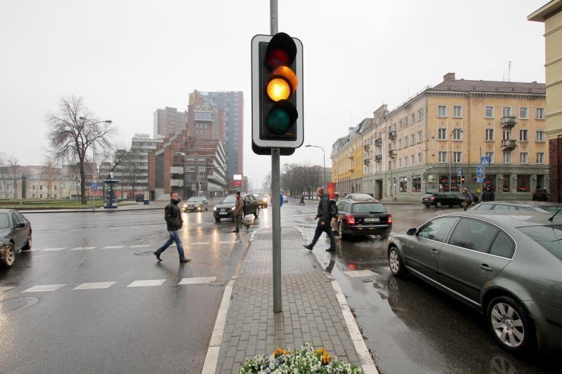 Šviesoforas Klaipėdoje veikia kada nori pats