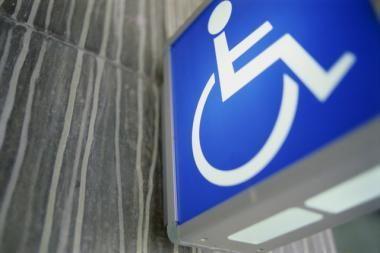 Neįgalieji priversti laukti pasienio eilėse