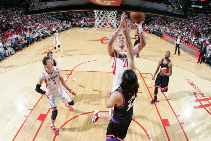 """D-Mo buvo arti dvigubo dublio, """"Rockets"""" iškovojo svarbią pergalę"""