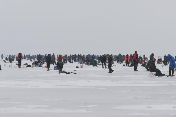 Žuvų nuo brakonierių tinklų neapsaugo net ledas