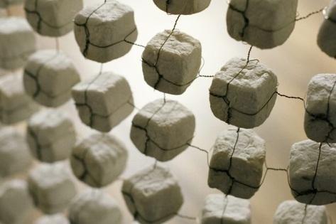 Tekstilininkės parodoje – popieriaus baltumo darbai