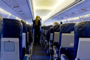 Panevėžietis girtavo ir rūkė lėktuve