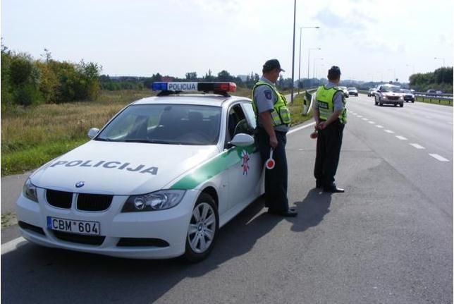 Per reidą policija pagavo ir plepių, ir greitį viršijusių vairuotojų