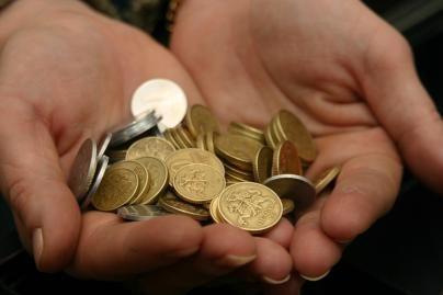 Sklaidys mitą apie mažai uždirbančius valdininkus
