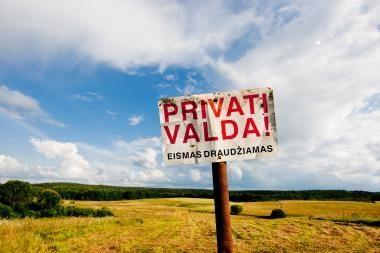 Šiaulių rajono Žemėtvarkos skyriaus vedėja įtariama ėmusi kyšius