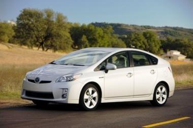 """Toyota"" atšaukia beveik 500 tūkst. ""hibridų"""