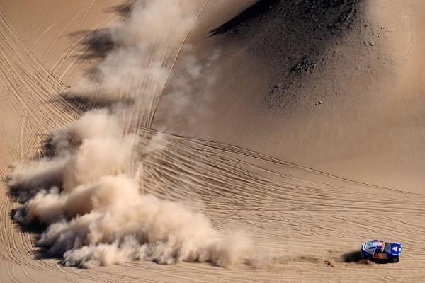 """""""Dakaro ralis"""" įpusėjo"""