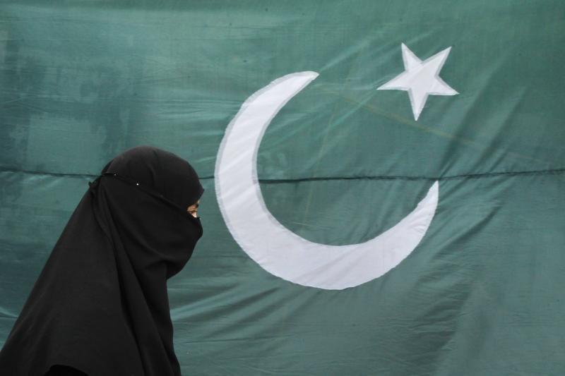 Pakistane per ataką elektrinėje žuvo 7 žmonės, be elektros 100 tūkst.