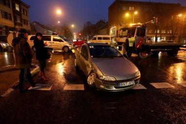 """Į avariją pateko """"Kraujo donorystės centro"""" automobilis"""