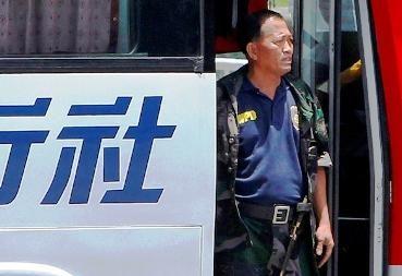 Filipinuose nušalinti keturi policijos pareigūnai, dalyvavę įkaitų dramoje Maniloje