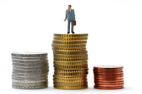 Trys bankai valstybei sumokėjo apie 80 tūkst. litų baudų